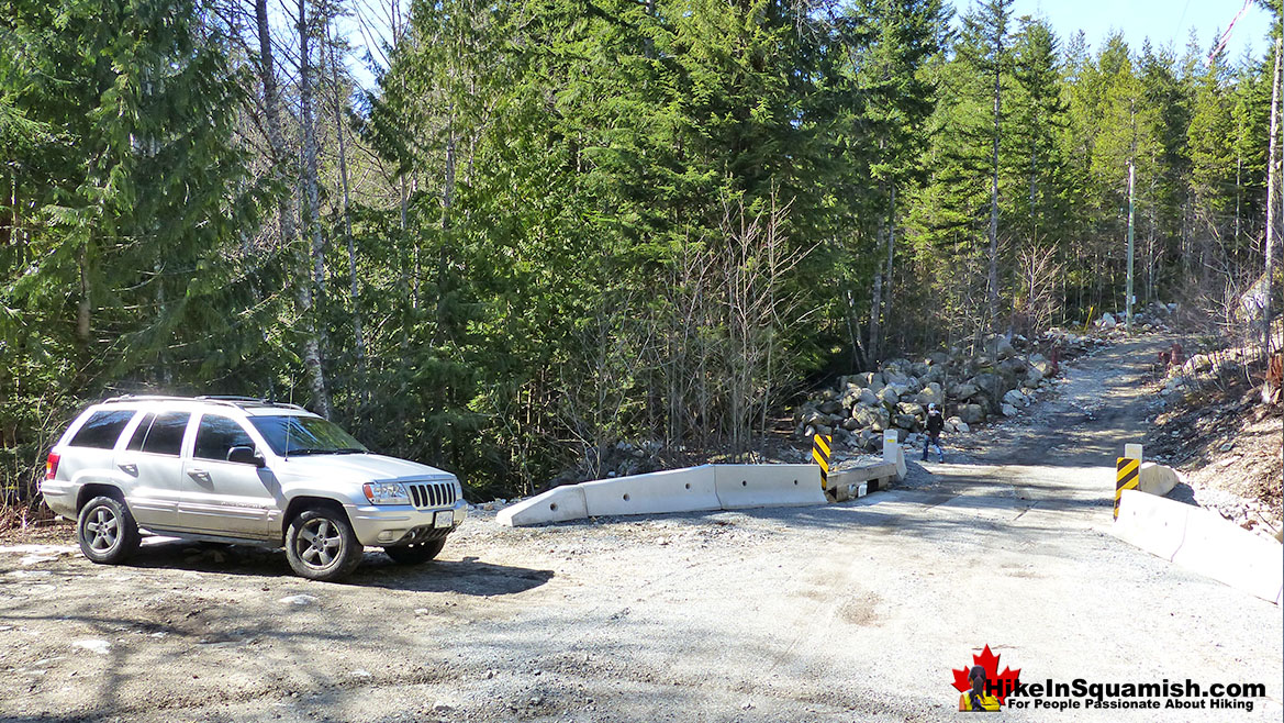 Levette Lake Trailhead Parking